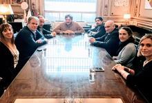 Gestiones de Municipio y Unicen por la recuperación del Teatro Cervantes