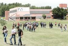 Unos 300 jóvenes inician programa para ingresantes en Ingeniería